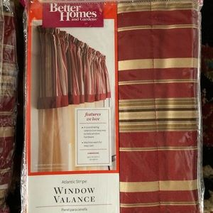 🏞BHG🏞SET OF 2 MATCHING WINDOW VALANCES